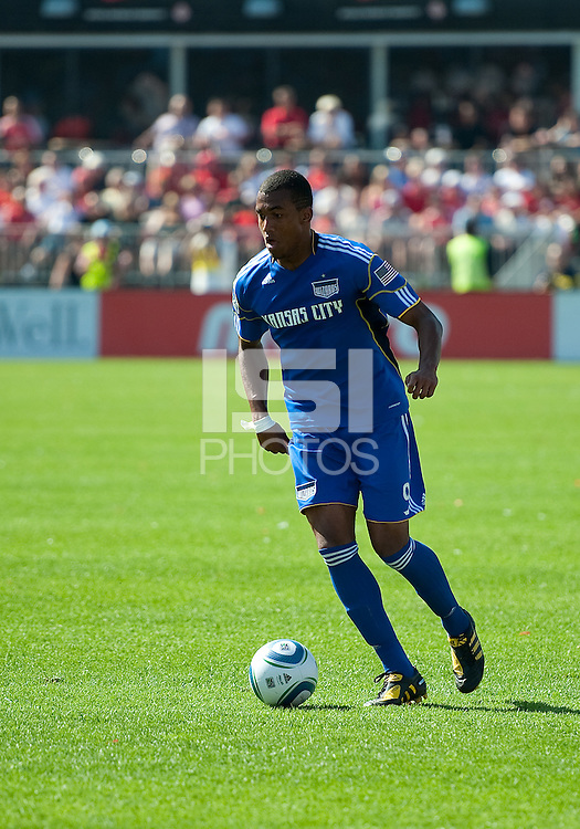 05 June 2010: Kansas City Wizards forward Teal Bunbury #9 in action during a game between the Kansas City Wizards and Toronto FC at BMO Field in Toronto..The game ended in a 0-0 draw.