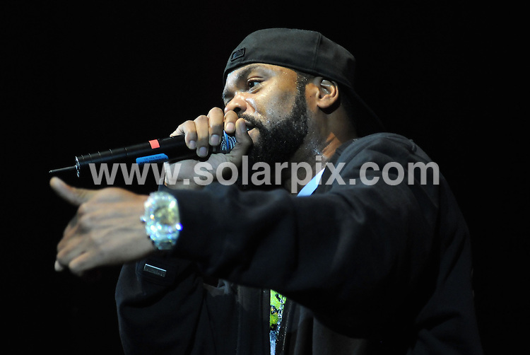 "**ALL ROUND PICTURES FROM SOLARPIX.COM**.**WORLDWIDE SYNDICATION RIGHTS**.Rappers ""Method man & Redman"" performing at the Sheppards Bush Empire London Uk..JOB REF6156:       SSD     DATE:15.04.08.**MUST CREDIT SOLARPIX.COM OR DOUBLE FEE WILL BE CHARGED* *UNDER NO CIRCUMSTANCES IS THIS IMAGE TO BE REPRODUCED FOR ANY ONLINE EDITION WITHOUT PRIOR PERMISSION*"