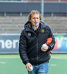 AMSTELVEEN - Assistent Coach Bas van Zundert (DenBosch)   voor de hoofdklasse hockeywedstrijd dames,  Amsterdam-Den Bosch (1-1).   COPYRIGHT KOEN SUYK