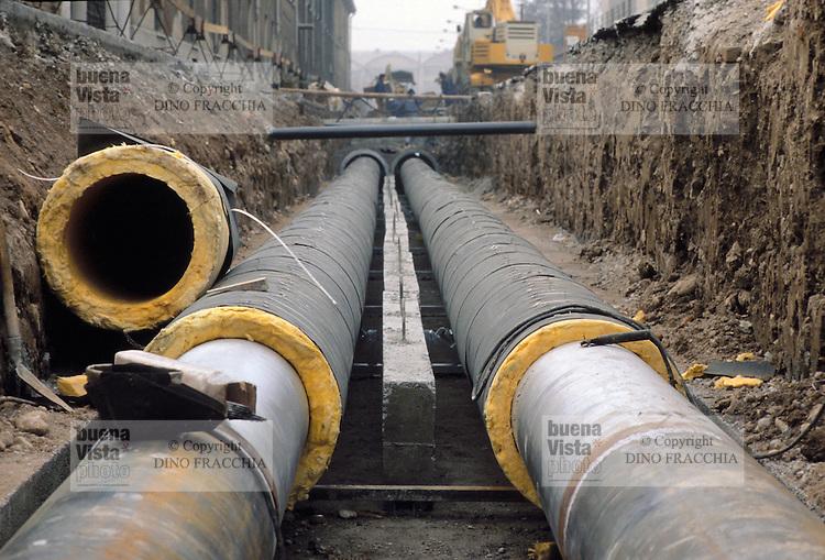 - ASM (Municipial Services Company) laying of the pipelines for district heating....- ASM (Azienda Servizi Municipalizzati) posa delle tubazioni per il teleriscaldamento