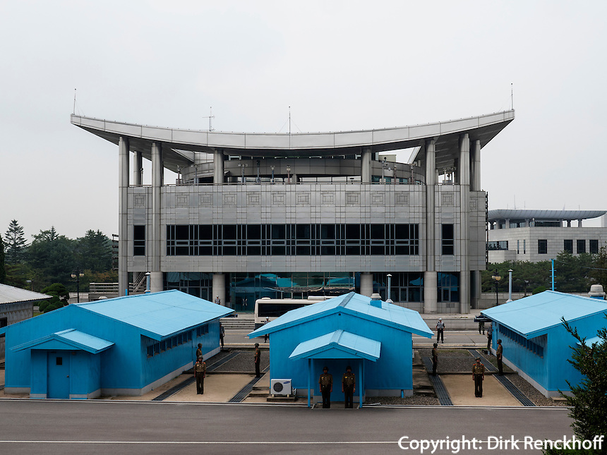 Grenze in Panmunjeom, Nordkorea, Asien<br /> Boarder in  Panmunjeom, North Korea, Asia