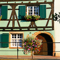 France, Alsace: Traditional Building | Frankreich, Elsass: traditionelles Fachwerkhaus - Detail