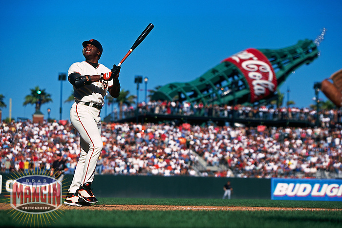 SAN FRANCISCO, CA - Barry Bonds of the San Francisco Giants bats during a game against the Arizona Diamondbacks at AT&T Park in San Francisco, California on September 30, 2000. Photo by Brad Mangin