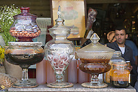 """Afrique/Afrique du Nord/Maroc /Casablanca: le marché central boulevard Mohammed V détail étal d'une boutique de miels """"la Vallée du Miel Naturel"""""""