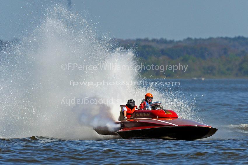 "Bob Moore, TS-3 ""Catch Me If You Can"" (2009 Lauterbach 2-seat Grand Prix hydroplane)"