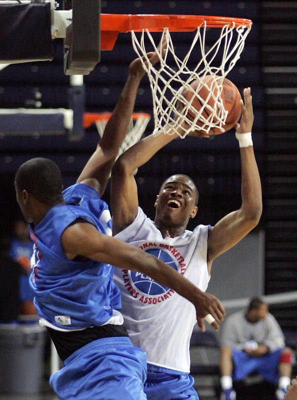 G/F Klay Thompson (R. Santa Margarita, CA / Santa Margarita) shoots the ball during the NBA Top 100 Camp held Saturday June 23, 2007 at the John Paul Jones arena in Charlottesville, Va. (Photo/Andrew Shurtleff)