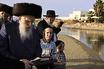Israel, Tel Aviv, Tashlich prayer of the Premishlan congregation by the Yarkon River, the Admor