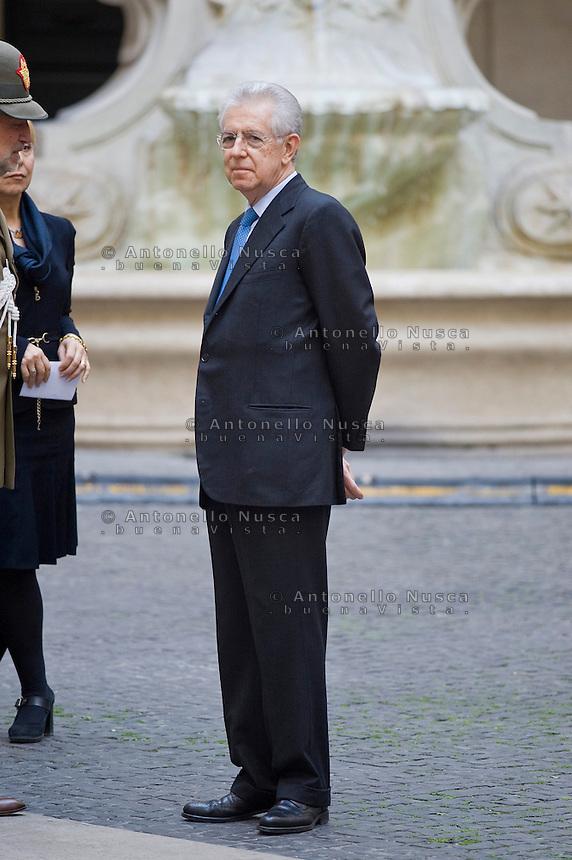 Mario Monti in attesa di ricevere la Cancelliera tedesca Angela Merkel a Palazzo Chigi. .Italian Prime Minister Mario Monti  waiting to meet with German Chancellor Angela Merkel at Palazzo Chigi in Rome.