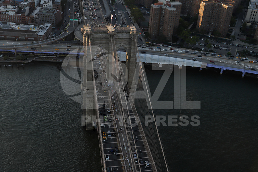 NOVA YORK, EUA, 17.09.2018 - CIDADE-NOVA YORK - Vista aerea Brooklyn Bridge da cidade de Nova York nos Estados Unidos(Foto: Vanessa Carvalho/Brazil Photo Press)
