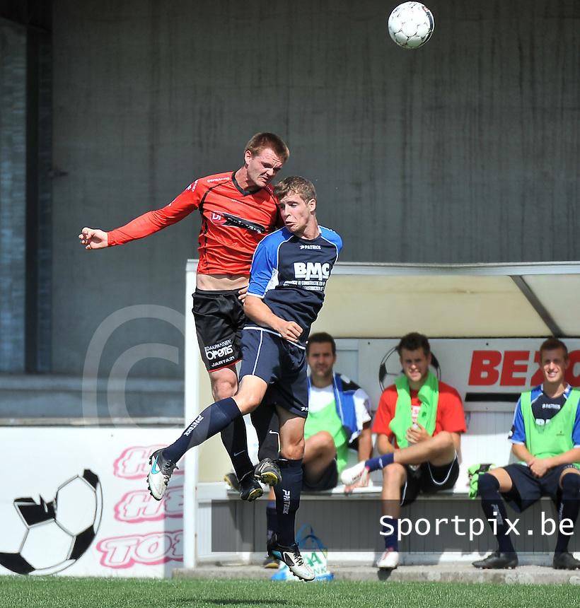 Winkel Sport - Zwevegem : kopduel tussen Dries Denoo (links) en Lennert Molisse (rechts)<br /> foto VDB / Bart Vandenbroucke
