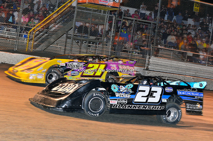 Feb 20, 2014; 9:20:52 PM;  Barberville, FL, USA;  World of Outlaws Late Model Series for 43rd Annual DIRTcar Nationals presented by Summit Racing Equipment at Volusia Speedway Park.  Mandatory Credit: (thesportswire.net)