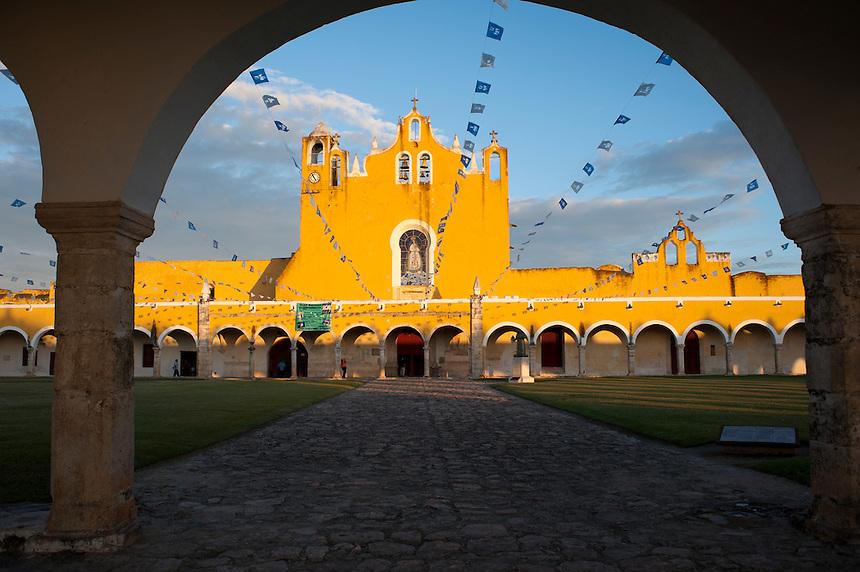 Ex-convento, Izamal, Yucatan, Mexico
