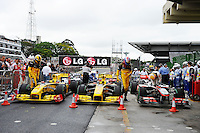 F1 GP of Brazil, Sao Paulo - Interlagos 05.- 07. Nov. 2010.Robert Kubica (POL), Renault F1 Team - Vitaly Petrov (RUS), Renault F1 Team - Lewis Hamilton (GBR), McLaren F1 Team ...Picture: Hasan Bratic/Universal News And Sport (Europe) 6 November 2010.