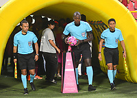 IBAGUÉ- COLOMBIA,19-10-2019:Jhon Hinestroza  Romaña referee central.Acción de juego entre los equipos Deportes Tolima y  Cúcuta Deportivo durante  partido por la fecha 18 de la Liga Águila II 2019 jugado en el estadio Manuel Murillo Toro de la ciudad de Ibagué. /Central referee Jhon Hinestroza Romana .Action game between teams Deportes Tolima and Cucuta Deportivo during the 18 date  match for  the Liga Aguila II 2019 played at the Manuel Murillo Toro stadium in Ibague city. Photo: VizzorImage / Juan Carlos Escobar  / Contribuidor