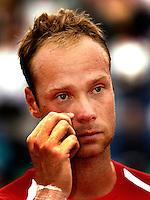 18-07-2004, Amersfoort, Tennis, Priority Dutch Open, Martin Verkerk schiet vol van emotie na zijn overwinning op de Dutch Open