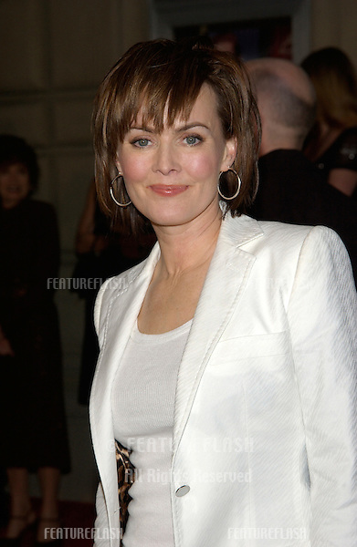 Actress LAURA INNES at the 28th Annual People's Choice Awards in Pasadena..13JAN2002..© Paul Smith/Featureflash