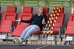 Heiko HERRLICH  (Trainer FC Augsburg),ratlos.<br /><br />Fussball 1. Bundesliga, 33.Spieltag, Fortuna Duesseldorf (D) -  FC Augsburg (A), am 20.06.2020 in Duesseldorf/ Deutschland. <br /><br />Foto: AnkeWaelischmiller/Sven Simon/ Pool/ via Meuter/Nordphoto<br /><br /># Editorial use only #<br /># DFL regulations prohibit any use of photographs as image sequences and/or quasi-video #<br /># National and international news- agencies out #