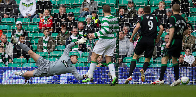 Artur Boruc helpless as Derek Riordan's shot flies into the net to equalise for Hibs