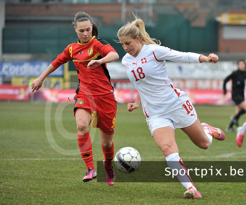 Belgium U19 - Switzerland U19 : duel tussen Audrey Wuichet (rechts) en Jassina Blom.foto DAVID CATRY / Nikonpro.be