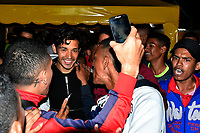 BARRANQUILLA - COLOMBIA ,08-02-2019: Llegada del mediocampista chileno  Matías Fernández al aeropuerto internacional Ernesto Cortissoz ,para unirse como refuerzo al equipo Atletico Junior./Chilean midfielder Matías Fernández arrived at Ernesto Cortissoz international airport to join the Atletico Junior team as reinforcement . Photo: VizzorImage / Alfonso Cervantes / Contribuidor.