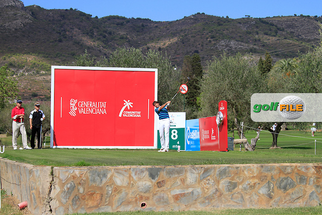Robert-Jan Derksen (NED) tees off on the 18th tee during Thursday's Round 1 of the Castello Masters at the Club de Campo del Mediterraneo, Castellon, Spain, 20th October 2011 (Photo Eoin Clarke/www.golffile.ie)