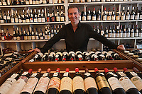 Europe/France/Aquitaine/40/Landes/Mont-de-Marsan: La Cave du Sommelier, Christophe Andiné ancien sommelier à ouvert sa cave. [Non destiné à un usage publicitaire - Not intended for an advertising use]