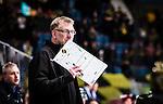 Stockholm 2015-01-04 Ishockey Hockeyallsvenskan AIK - Vita H&auml;sten :  <br /> AIK:s tr&auml;nare huvudtr&auml;nare Peter Nordstr&ouml;m med en taktiktavla under matchen mellan AIK och Vita H&auml;sten <br /> (Foto: Kenta J&ouml;nsson) Nyckelord:  AIK Gnaget Hockeyallsvenskan Allsvenskan Hovet Johanneshov Isstadion Vita H&auml;sten portr&auml;tt portrait