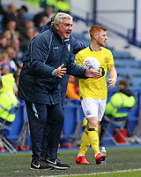 Sheffield Wednesday manager Steve Bruce shouts instructions to his team from the dug-out <br /> <br /> Photographer David Shipman/CameraSport<br /> <br /> The EFL Sky Bet Championship - Sheffield Wednesday v Blackburn Rovers - Saturday 16th March 2019 - Hillsborough - Sheffield<br /> <br /> World Copyright &copy; 2019 CameraSport. All rights reserved. 43 Linden Ave. Countesthorpe. Leicester. England. LE8 5PG - Tel: +44 (0) 116 277 4147 - admin@camerasport.com - www.camerasport.com