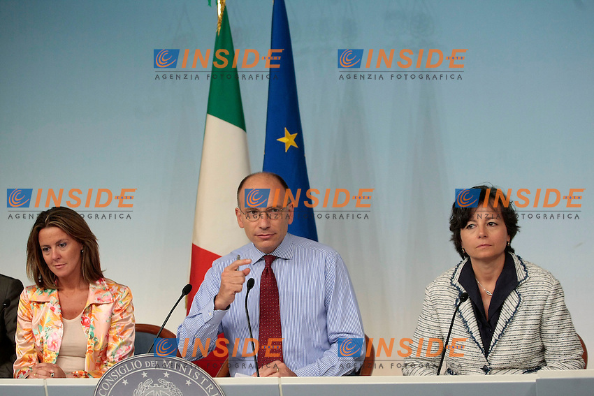 Beatrice Lorenzin, Enrico Letta, Maria Chiara Carrozza <br /> Roma 09-09-2013 Palazzo Chigi. Conferenza stampa al termine del CDM, Cosiglio dei Ministri.<br /> Press conference at the end of the Minister's Cabinet<br /> Photo Samantha Zucchi Insidefoto