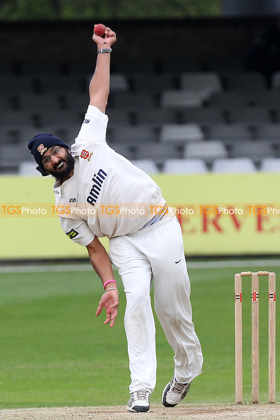 Monty Panesar in bowling action for Essex - Essex CCC vs Kent CCC - Pre-Season Friendly Cricket Match at the Essex County Ground, Chelmsford - 04/04/14 - MANDATORY CREDIT: Gavin Ellis/TGSPHOTO - Self billing applies where appropriate - 0845 094 6026 - contact@tgsphoto.co.uk - NO UNPAID USE