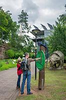 Deutschland, Rheinland-Pfalz, Dahner Felsenland im suedlichen Pfaelzerwald, Fischbach bei Dahn: Eingang zum Biosphaerenhaus, das seit dem Jahr 2000 über das Biosphaerenreservat Pfaelzerwald-Nordvogesen informiert | Germany, Rhineland-Palatinate, Dahner Felsenland at southern Palatinate Forest, Fischbach near Dahn: entrance to Biosphere House Palatinate Forest/Northern Vosges