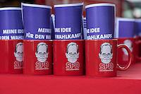 Vorstellung des Wahlprogramm der SPD-Berlin zur Abgeordnetenhauswahl im September 2016.<br /> Auf einem Landesparteitag am Freitag den 27. Mai 2016 stellte die SPD-Berlin ihr Wahlprogramm zur Abgeordnetenhauswahl im September 2016 vor.<br /> Im Bild: Becher mit dem Konterfei des SPD-Landesvorsitzenden Michael Mueller als Werbeartikel.<br /> 27.5.2016, Berlin<br /> Copyright: Christian-Ditsch.de<br /> [Inhaltsveraendernde Manipulation des Fotos nur nach ausdruecklicher Genehmigung des Fotografen. Vereinbarungen ueber Abtretung von Persoenlichkeitsrechten/Model Release der abgebildeten Person/Personen liegen nicht vor. NO MODEL RELEASE! Nur fuer Redaktionelle Zwecke. Don't publish without copyright Christian-Ditsch.de, Veroeffentlichung nur mit Fotografennennung, sowie gegen Honorar, MwSt. und Beleg. Konto: I N G - D i B a, IBAN DE58500105175400192269, BIC INGDDEFFXXX, Kontakt: post@christian-ditsch.de<br /> Bei der Bearbeitung der Dateiinformationen darf die Urheberkennzeichnung in den EXIF- und  IPTC-Daten nicht entfernt werden, diese sind in digitalen Medien nach §95c UrhG rechtlich geschuetzt. Der Urhebervermerk wird gemaess §13 UrhG verlangt.]