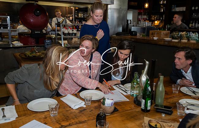 VOGELENZANG - Kitty van Male met Pauline Hogeweg (ONVZ) , Spelerslunch KNHB 2019.   COPYRIGHT KOEN SUYK