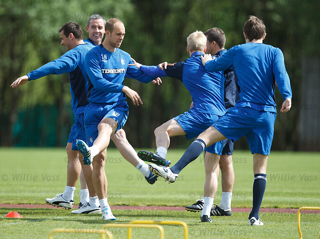 Davie Weir laughing away behind Steven Whittaker