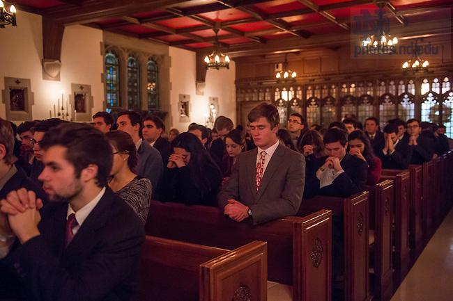 December 11, 2016; Alumni Hall Candlelight Mass. (Photo by Barbara Johnston/University of Notre Dame)