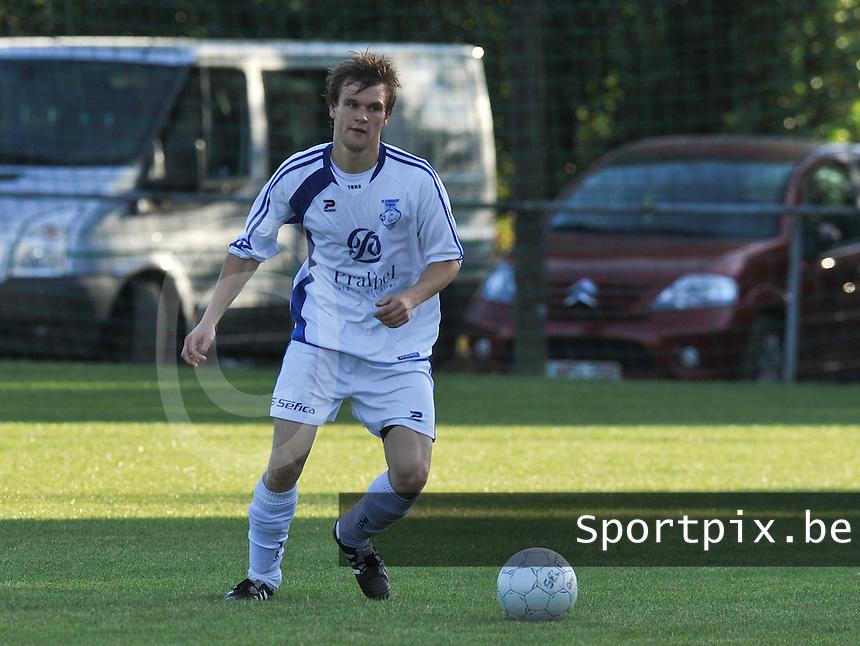 FC Eendracht Kuurne : Pieter Vanhoutte.foto VDB / BART VANDENBROUCKE