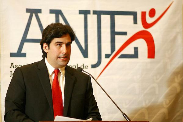 Manuel del Cabral. FE