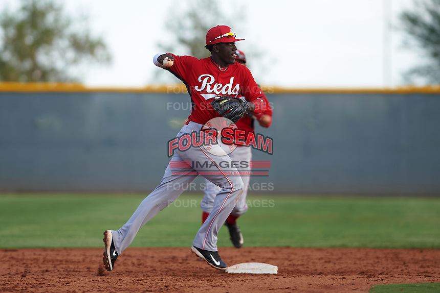 Cincinnati Reds Hector Vargas (52) during an instructional league game against the Cleveland Indians on October 17, 2015 at the Goodyear Ballpark Complex in Goodyear, Arizona.  (Mike Janes/Four Seam Images)