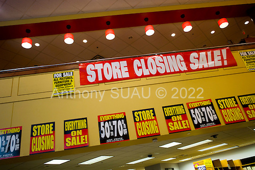 Philadelphia, Pennsylvania<br /> May 4, 2010<br /> <br /> Borders going out of business in the center of Philadelphia.