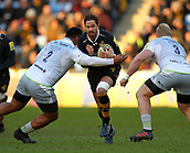 January 7th 2018, Ricoh Arena, Coventry, England;  Aviva Premiership rugby, Wasps versus Saracens; Danny Cipriani (Wasps) attempts to pas between Chris Tolofua and Vincent Koch of Saracens during the Aviva Premiership (Round 13) match between Wasps and Saracens rfc at the Ricoh Stadium