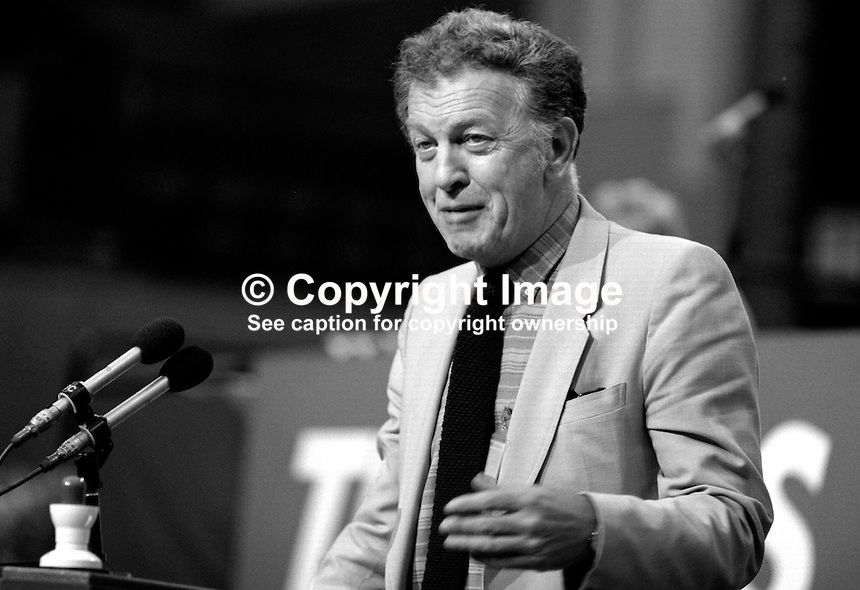 Ken Gill, general secretary, AUEW-TASS, trade union, UK, addresses Trades Union Congress annual conference 1984. 19840105KG2.<br />