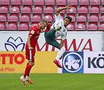 Sport: Fussball: 1. Bundesliga:: nphgm001:  Saison 19/20: 33. Spieltag: 1. FSV Mainz 05 vs SV Werder Bremen 20.06.2020<br />Daniel Brosinski (M05), Theodor Gebre Selassie (Bremen),<br />Foto: Bratic/rscp-photovia/via gumzmedia/nordphoto<br /><br />DFL regulations prohibit any use of photographs as image sequences and/or quasi-video.<br />EDITORIAL USE ONLY.<br />National and international News-Agencies OUT.<br /><br /> DFL REGULATIONS PROHIBIT ANY USE OF PHOTOGRAPHS AS IMAGE SEQUENCES AND OR QUASI VIDEO<br />EDITORIAL USE ONLY<br />NATIONAL AND INTERNATIONAL NEWS AGENCIES OUT