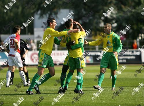 2008-09-21 / Voetbal / KFC Duffel - KFC Schoten SK / Vreugde bij de spelers van Schoten na het doelpunt van Sanou Ousmane ..Foto: Maarten Straetemans (SMB)