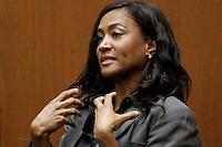 ALS17. LOS ÁNGELES (CA, EEUU), 29/09/2011.- Kai Chase, cocinera personal de Michael Jackson, rinde declaración hoy, jueves 29 de septiembre de 2011, durante la tercera jornada del juicio por la muerte de Michael Jackson que se celebra en la Corte Superior del condado de Los Ángeles, en EE.UU. EFE/Al Seib/POOL.