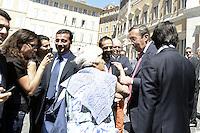 Roma, 15 Giugno 2012.Piazza Montecitorio.Annarella, la fustigatrice dei politici, la nonnina anticasta, incontra  il Presidente della Camera Gianfranco Fini..