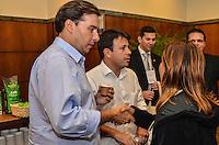 ATENCAO EDITOR: FOTO EMBARGADA PARA VEICULOS INTERNACIONAIS. - RIO DE JANEIRO, RJ,25 DE SETEMBRO 2012 - ELEICOES 2012-PROJETO BARRA SUSTENTAVEL- O candidato pelo DEM a Prefeitura do Rio de Janeiro, Rodrigo Maia, na assinatura do Projeto Barra Sustentavel no Hotel Sheraton, na barra da Tijuca, zona oeste do Rio de Janeiro, nesta terca dia 25 de setembro.(FOTO: MARCELO FONSECA / BRAZIL PHOTO PRESS).