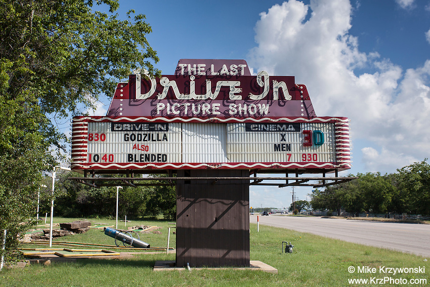 Drive-in movie theatre sign in Gatesville, TX