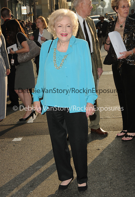 Betty White at The Touchstone Pictures' World Premiere of The Proposal held at The El Capitan Theatre in Hollywood, California on June 01,2009                                                                     Copyright 2009 DVS / RockinExposures
