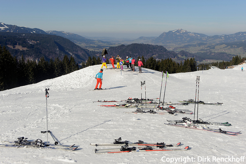 Skipiste  auf dem S&ouml;llereck bei  Oberstdorf im Allg&auml;u, Bayern, Deutschland<br /> piste on Mt.  Sellereck  near Oberstdorf, Allg&auml;u, Bavaria, Germany