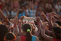 IV Jogos Tradicionais Indígenas do Pará<br /> <br /> Quinza etnias participam dos  IX Jogos Indígenas, iniciados neste na íntima sexta feira. Aikewara (de São Domingos do Capim), Araweté (de Altamira), Assurini do Tocantins (de Tucuruí), Assurini do Xingu (de Altamira), Gavião Kiykatejê (de Bom Jesus do Tocantins), Gavião Parkatejê (de Bom Jesus do Tocantins), Guarani (de Jacundá), Kayapó (de Tucumã), Munduruku (de Jacareacanga), Parakanã (de Altamira), Tembé (de Paragominas), Xikrin (de Ourilândia do Norte), Wai Wai (de Oriximiná). Participam ainda as etnias convidadas - Pataxó (da Bahia) e Xerente (do Tocantins). <br /> <br /> <br /> Mais de 3 mil pessoas lotaram as arquibancadas da arena de competição.<br /> Praia de Marudá, Marapanim, Pará, Brasil.<br /> Foto Paulo Santos<br /> 09/09/2014